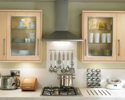 Glass Wall Units with Stainless Steel Chimney Extractor and Lamona Gas Hob